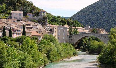 Succombez au charme de la Drôme Provençale dans un habitat insolite